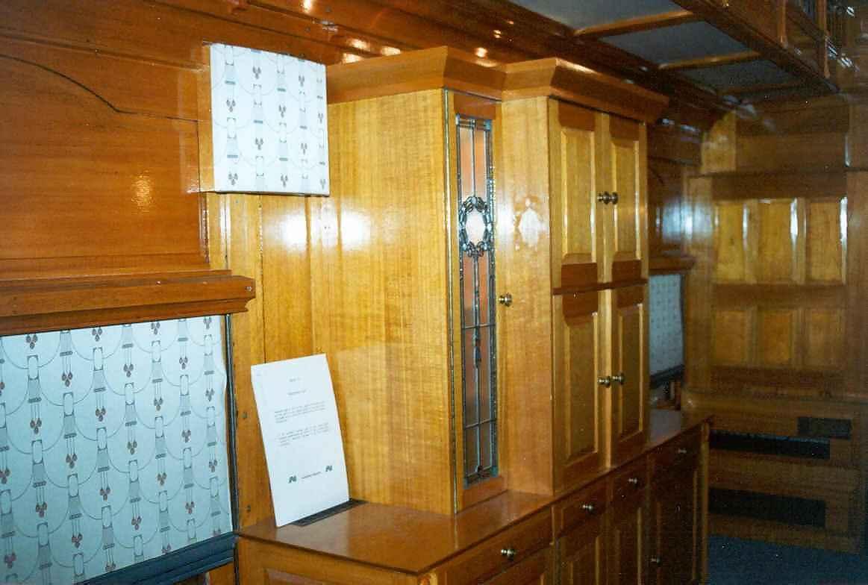 interiorofgovernorscoach1.jpg