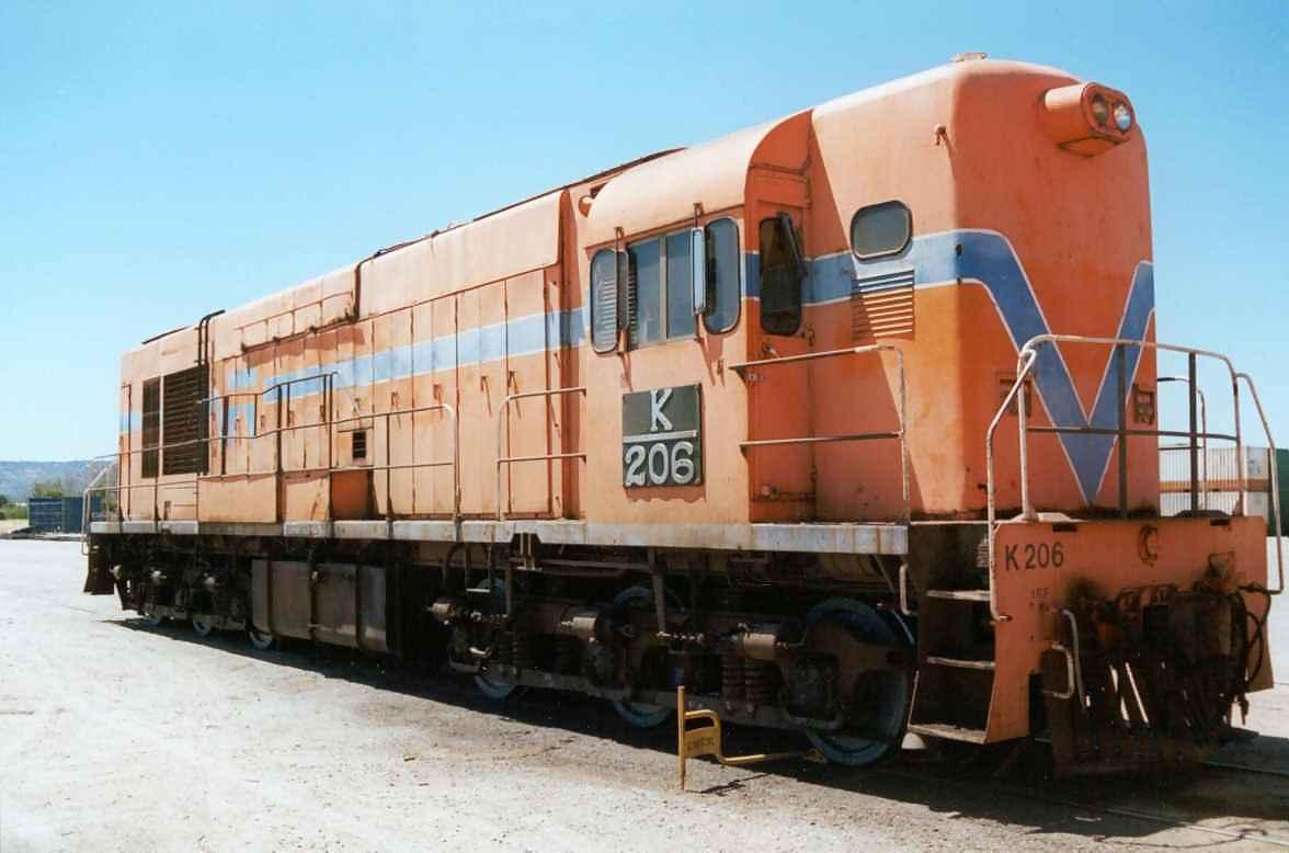 k206 at Kewdale -December 2000